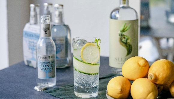 Fever-Tree Naturally Light wird zu Premium Dry Tonic Water